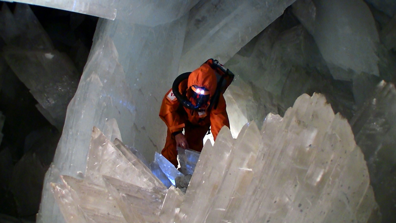 crystal cave of giants naica mexico