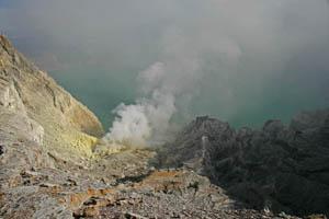 Kawah Ijen Volcano - Indonesia Boating on a Lake of Sulfuric Acid TN300_Kawah_Ijen_07
