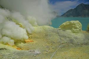 Kawah Ijen Volcano - Indonesia Boating on a Lake of Sulfuric Acid TN300_Kawah_Ijen_10