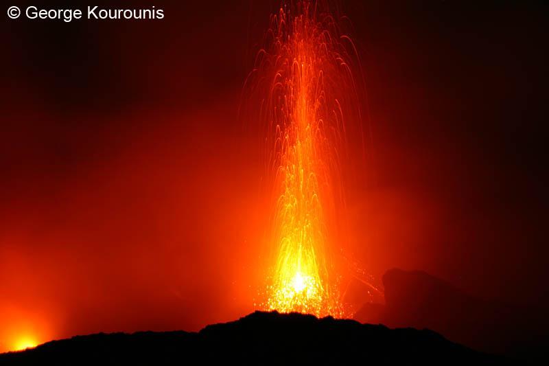 volcano stromboli: